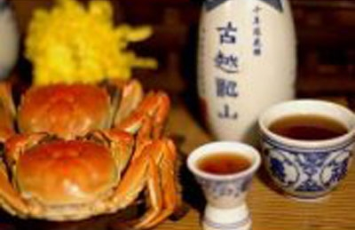 吃蟹配黄酒活血通窍最健康