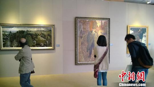 岁月情怀——苏联时期主题性美术创作稿展现场。 张骏 摄
