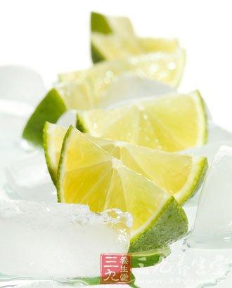 柠檬含有丰富的有机酸