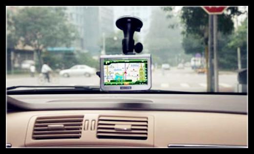 在济南市华达汽车城,长期从事二手汽车销售和维修的张斌表示,车速表读数比实际车速大,商家主要是出于安全考虑,防止驾驶员超速,出厂的时候就是这样的。