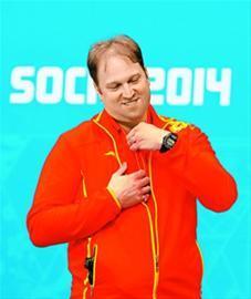 中国队主教练马塞尔·洛克在赛后微笑。