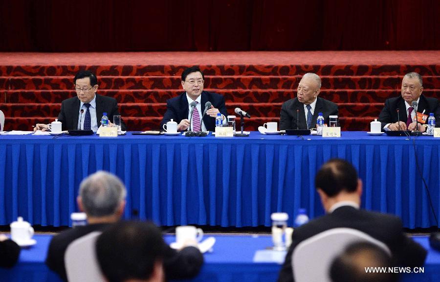 كبير المشرعين يشدد على أهمية الاستقرار والتنمية والتناغم لهونج كونج وماكاو