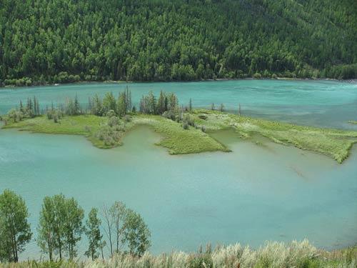 湖中有一岛 神仙在此居