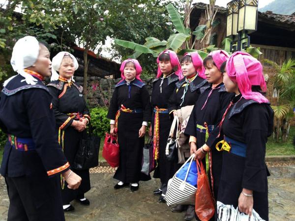 图一、侬垌节当天村民总是把自己打扮一新  方靖文/摄影