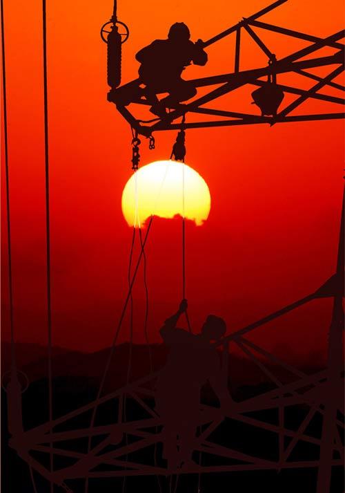 文山电力110千伏东土线,夕阳下拍摄