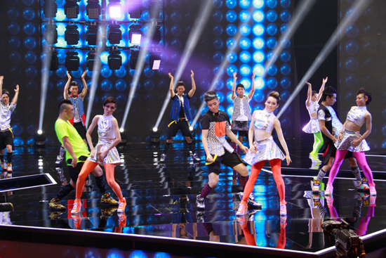 广汽本田第三代飞度上市发布会现场热舞很符合新飞度的市场定位