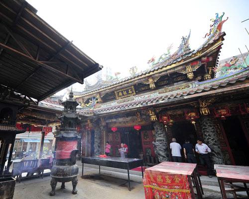 石鼓庙还存有与青阳多个姓氏相关的历史遗迹。