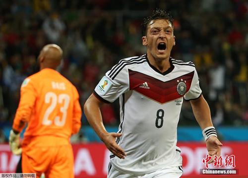 ألمانيا تفوز على الجزائر بهدفين مقابل هدف واحد في كأس العالم