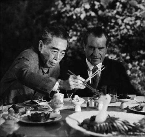 """指尖上的""""国宴"""" 揭秘最顶级""""饭局""""上的餐具"""