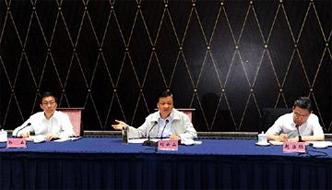 刘云山:坚持高标准严要求 敬终如始地抓好教育实践活动