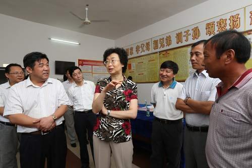 江西省委常委、组织部长 赵爱明(右四)