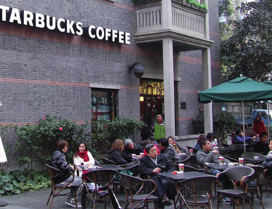 Drinking coffee is quickly becoming popular with Chinese consumers.