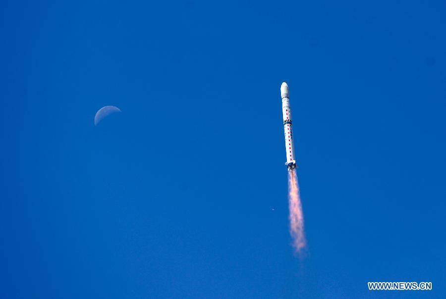 """В Китае произведен успешный запуск спутника дистанционного зондирования Земли """"Гаофэнь-2"""""""