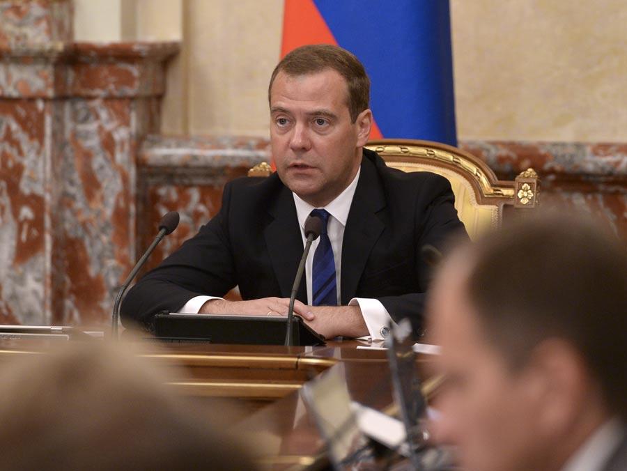Премьер-министр РФ Дмитрий Медведев во время заседания правительства РФ. Фото ИТАР-ТАСС/ Александр Астафьев