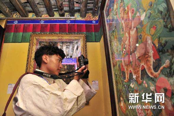 An ancient Tibetan art form was also on display, in an exhibition held in Lhasa