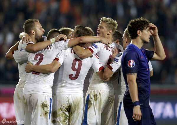 The Czechs took control of the game in the 22nd minute. Borek Dockal , slamming into the net to give the hosts the lead. The sublime finish puts Hiddink on the brink of the second consecutive loss after Friday