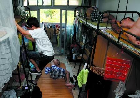宿舍铺床的步骤图