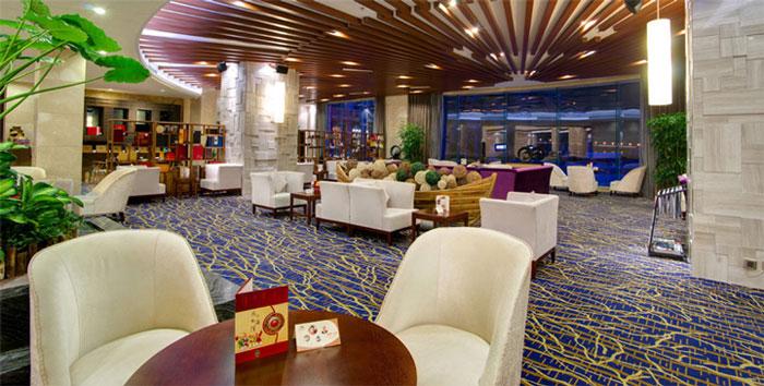 是由厦门惠龙集团有限公司投资建设的集美区首家五星级滨海度假酒店