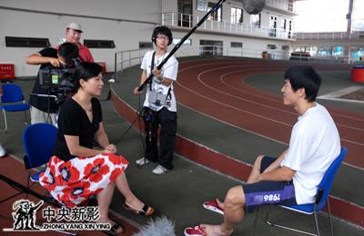奥运官方电影《永恒之火》总导演顾筠采访运动员刘翔