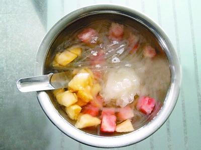 爽口消暑的四果汤
