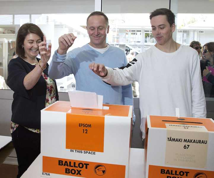 Voting in New Zealand's election has now closed with polls showing the centre-right government of Prime Minister John Key well in the lead.