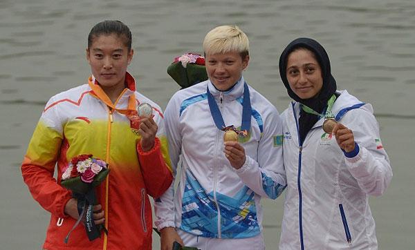 Remeros de Kazajistan brillan en la jornada del lunes con 6 de los 12 oros en disputa
