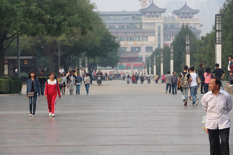 """西安大雁塔北广场两天内发生两起""""照相事件""""(游客拍照被索要千元,不想"""