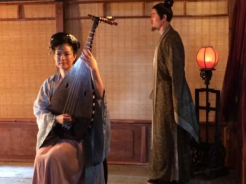 В китае по 108 поэмам династии тан