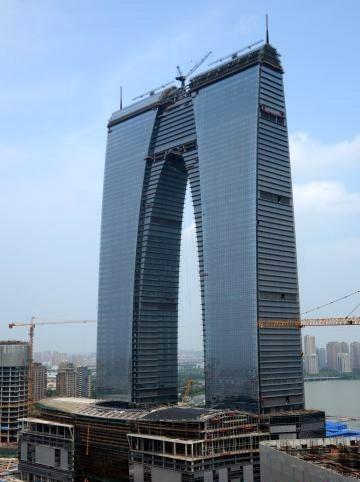 중국 - 중국, 이색건축물 랜드마크 붐