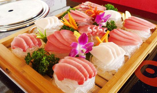 尽享奢华味觉:上海美食圈中的