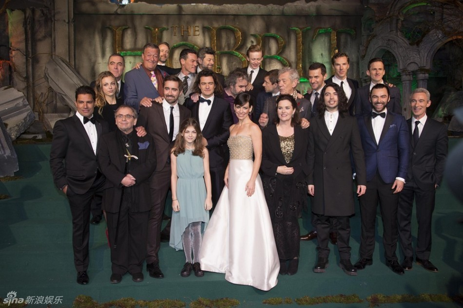 Stars of the hobbit movie hit the red carpet for the film s world