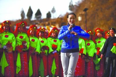 总政歌舞团雷佳为延川县刘家河村百姓演唱-回归源头 自有活水 文化部