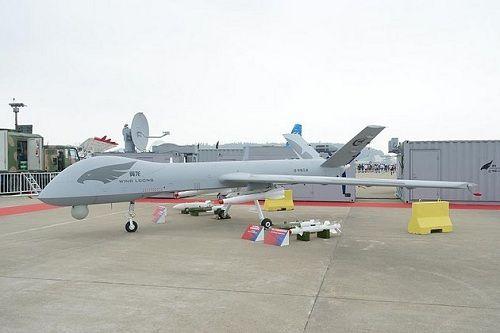 """Китайские беспилотники """"Илун"""" провели первый в 2015 году групповой полёт"""