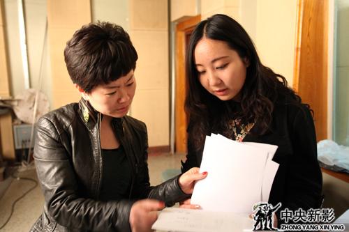 陈庆(左)