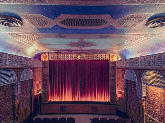 岛电影院欧美劲爆_[组图]看电影不如去光顾不寻常的电影院