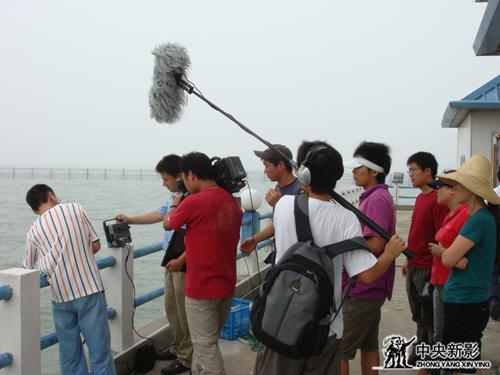 《新的航程》摄制组在江苏无锡太湖拍摄