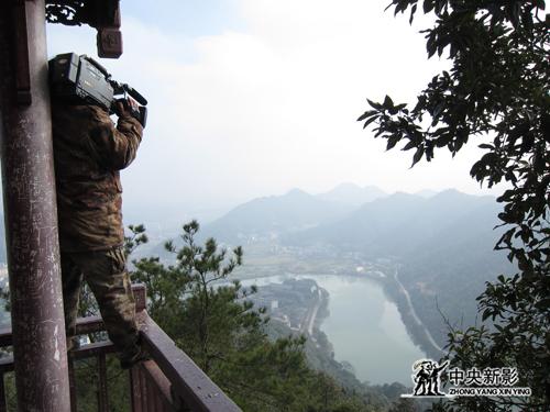 摄制组拍摄谭嗣同的家乡湖南浏阳河