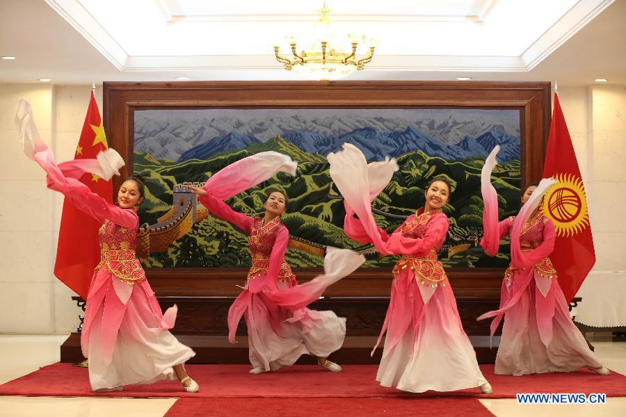 Посольство Китая в Кыргызстане организовало вечер по случаю праздника Весны