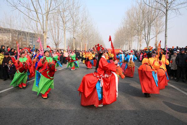 Particulares celebraciones de Año Nuevo Lunar chino en pueblo de Jiandian