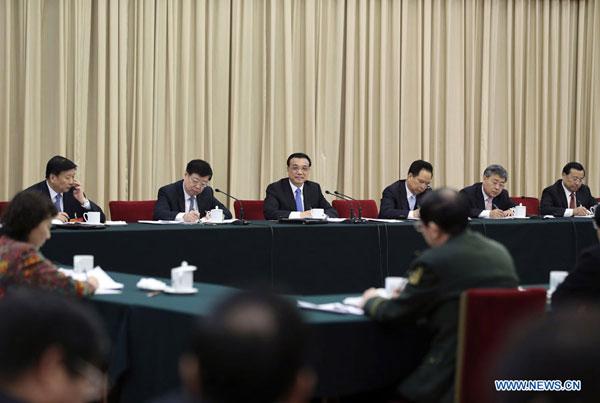 """Li Keqiang propose de créer des """"moteurs jumeaux"""" pour une croissance modérée à élevée"""