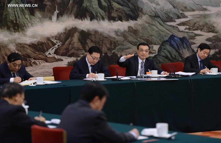 لي كه تشيانغ والمشرعين من مقاطعة سيتشوان