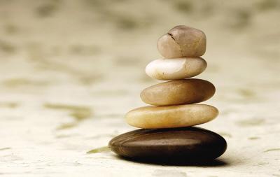 """卸掉压在你头上的""""石头""""(图片来源:资料图片)"""