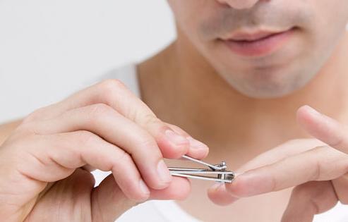 手指看健康指甲有竖纹是怎么回事