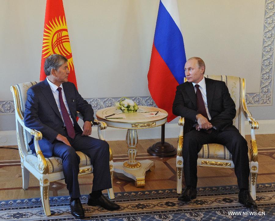 Владимир Путин приступил к переговорам с президентом Кыргызстана