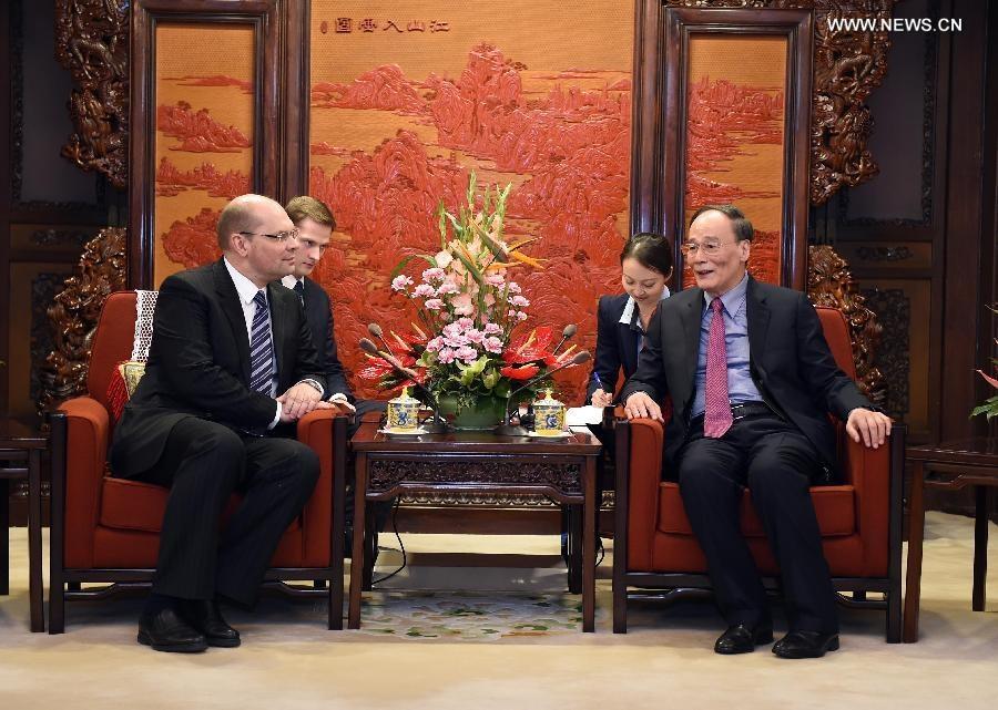 روسيا والصين تتعهدان بتعاون ثنائي لمكافحة الفساد