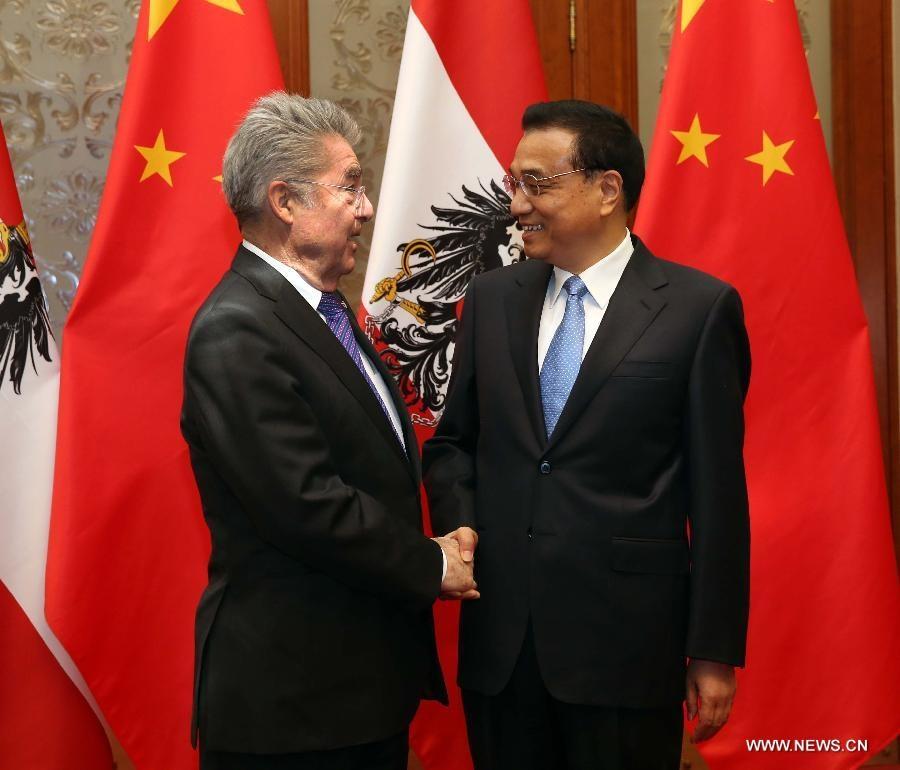 رئيس مجلس الدولة الصيني يجتمع مع الرئيس النمساوي
