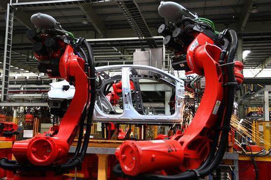 """工业机器人产业助推""""中国制造2025""""战略2015年的政府工作报告首"""