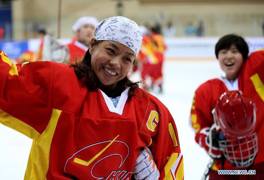 Китайская женская сборная обыграла итальянок на Чемпионате мира по хоккею с шайбой