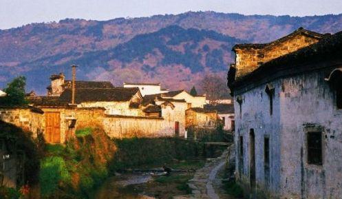 游烟雨古镇 品汪国真《旅行》感受最美的风景