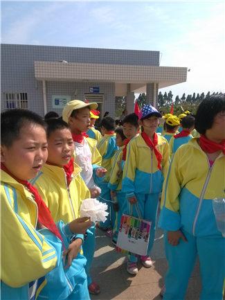 A589《清明v小学记》翔安区海滨小学陈宇涵广小学氮天河图片